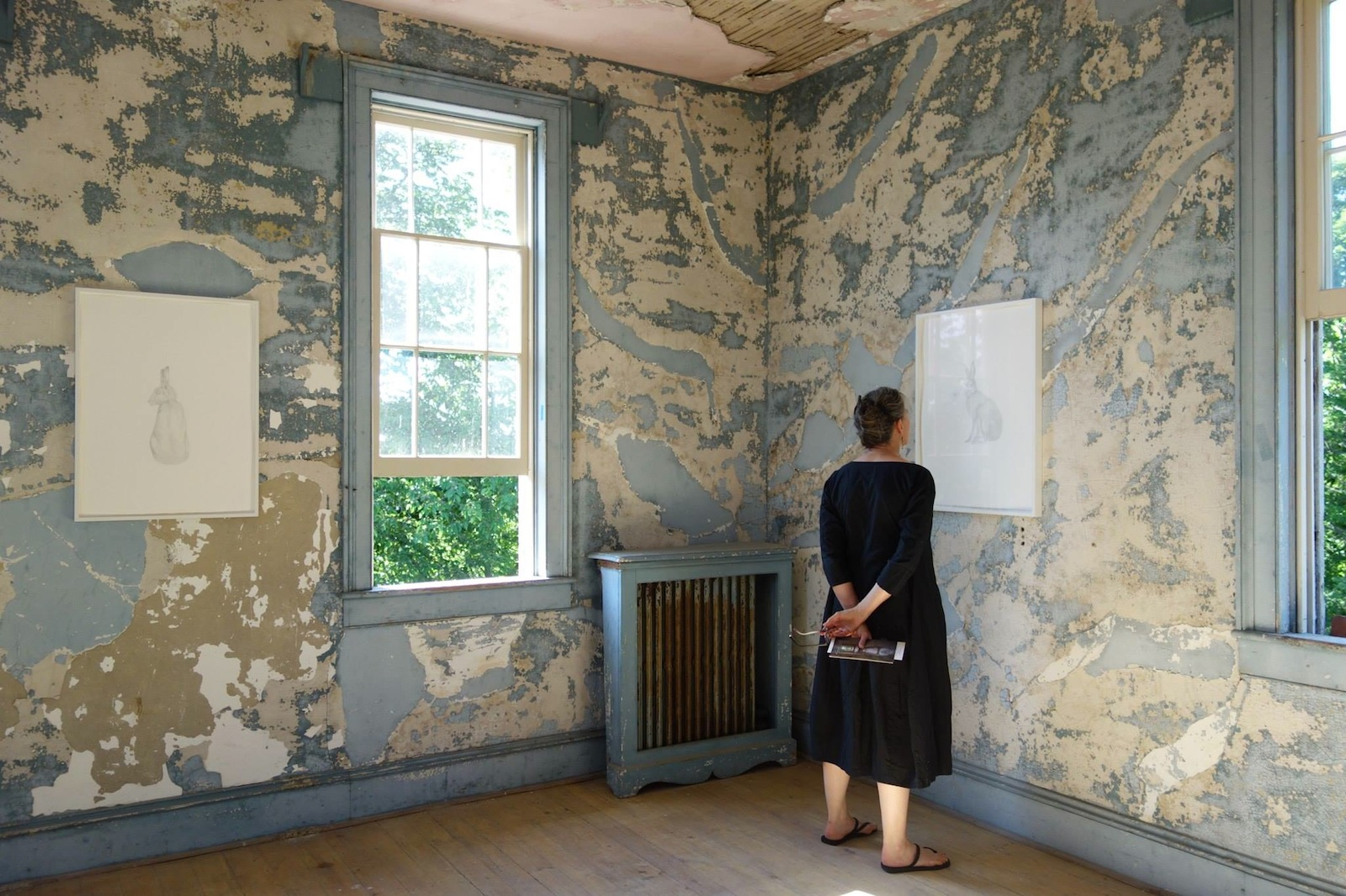 Artfully haunted hudson house features kiki smith seton for Hudson house